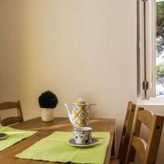 Апартаменты Lisbon Cosy in the Castle Apartment в номере