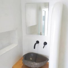 Отель Smaro Studios Греция, Остров Санторини - отзывы, цены и фото номеров - забронировать отель Smaro Studios онлайн ванная