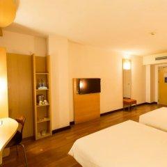 Отель Ibis Dongguan Dongcheng сейф в номере
