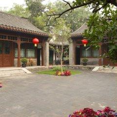Отель Courtyard 7 Пекин парковка