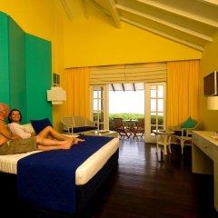 Отель Adaaran Select Meedhupparu Медупару комната для гостей