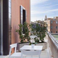 Отель NH Collection Venezia Palazzo Barocci Италия, Венеция - отзывы, цены и фото номеров - забронировать отель NH Collection Venezia Palazzo Barocci онлайн балкон