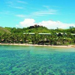 Отель Outrigger Fiji Beach Resort Фиджи, Сигатока - отзывы, цены и фото номеров - забронировать отель Outrigger Fiji Beach Resort онлайн пляж фото 2
