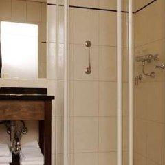 Отель Best Western Dam Square Inn ванная