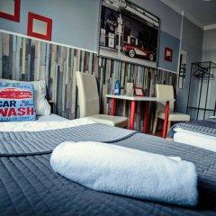 Отель Explorer Hostel Польша, Познань - отзывы, цены и фото номеров - забронировать отель Explorer Hostel онлайн спортивное сооружение