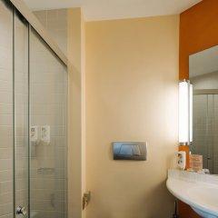 Отель Ibis Singapore On Bencoolen Сингапур ванная