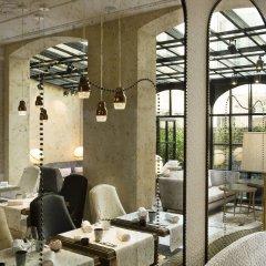 Отель Le Narcisse Blanc & Spa Франция, Париж - 1 отзыв об отеле, цены и фото номеров - забронировать отель Le Narcisse Blanc & Spa онлайн интерьер отеля фото 2
