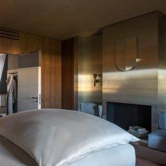 Отель Cour Des Vosges Париж сейф в номере