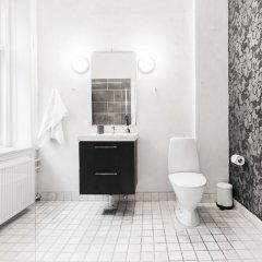 Отель City Centre Apt next to Kongens Nytorv Дания, Копенгаген - отзывы, цены и фото номеров - забронировать отель City Centre Apt next to Kongens Nytorv онлайн ванная