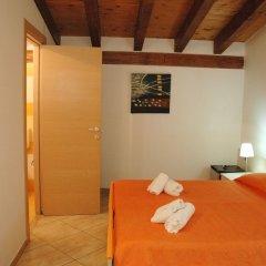 Отель B&B L'Antica Torre Поццалло комната для гостей фото 5