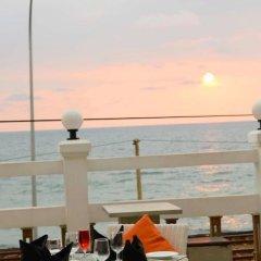 Lazaani Hotel & Restaurant пляж фото 2