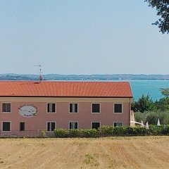 Отель Residence Il Fiore Del Garda Манерба-дель-Гарда пляж