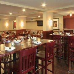 Отель Best Western Plus Gatineau-Ottawa Канада, Гатино - отзывы, цены и фото номеров - забронировать отель Best Western Plus Gatineau-Ottawa онлайн питание фото 2