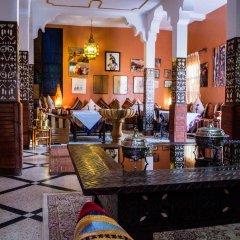 Отель Le Petit Riad Марокко, Уарзазат - отзывы, цены и фото номеров - забронировать отель Le Petit Riad онлайн гостиничный бар