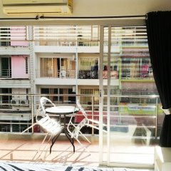 Отель Desire Guesthouse Patong балкон