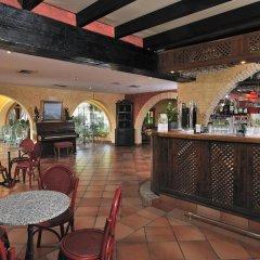 Отель Globales Cortijo Blanco гостиничный бар
