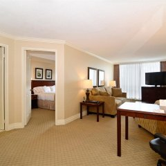 Отель Best Western Plus Victoria Park Suites Канада, Оттава - отзывы, цены и фото номеров - забронировать отель Best Western Plus Victoria Park Suites онлайн удобства в номере фото 2