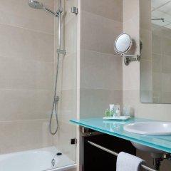 Отель H10 Puerta de Alcalá ванная фото 2