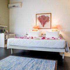 Отель Nika Island Resort & Spa сейф в номере