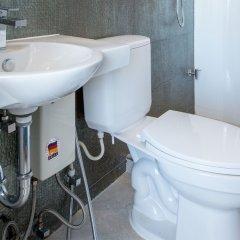 Отель Top Inn Sukhumvit Бангкок ванная фото 2