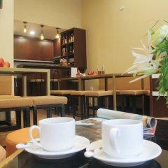 Отель H&H Hostel Вьетнам, Ханой - отзывы, цены и фото номеров - забронировать отель H&H Hostel онлайн питание фото 3