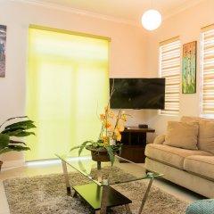 Отель Eight 11 by Pro Homes Jamaica комната для гостей фото 5