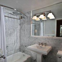 Отель The River Inn ванная