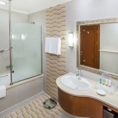 Отель Holiday Inn Bur Dubai Embassy District Дубай ванная