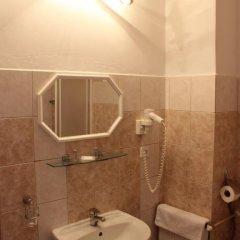 Отель Kucera Чехия, Карловы Вары - 6 отзывов об отеле, цены и фото номеров - забронировать отель Kucera онлайн ванная фото 2