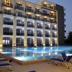 Отель Smartline Arena Золотые пески бассейн