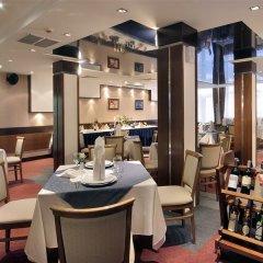 Central Hotel Forum гостиничный бар