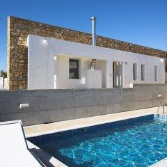 Отель Paradise Cove Luxurious Beach Villas Кипр, Пафос - отзывы, цены и фото номеров - забронировать отель Paradise Cove Luxurious Beach Villas онлайн бассейн фото 9