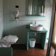 Отель Azzano Holidays Bed & Breakfast Меззегра ванная