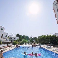 Отель azuLine Hotel S'Anfora & Fleming Испания, Сан-Антони-де-Портмань - отзывы, цены и фото номеров - забронировать отель azuLine Hotel S'Anfora & Fleming онлайн бассейн