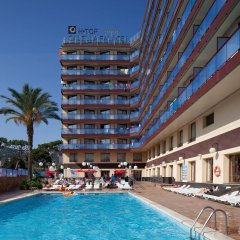 Отель H·TOP Calella Palace & SPA бассейн