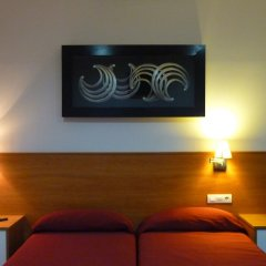 Отель Hostal Drassanes Испания, Барселона - отзывы, цены и фото номеров - забронировать отель Hostal Drassanes онлайн сейф в номере