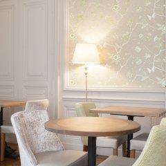 Отель Hôtel Vaubecour Франция, Лион - отзывы, цены и фото номеров - забронировать отель Hôtel Vaubecour онлайн питание фото 2