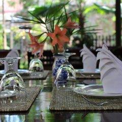 Отель Villa Maydou Boutique Hotel Лаос, Луангпхабанг - отзывы, цены и фото номеров - забронировать отель Villa Maydou Boutique Hotel онлайн питание
