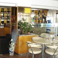 Отель Alcazar Римини гостиничный бар
