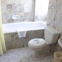 Отель Bangtao Village Resort Таиланд, Пхукет - 1 отзыв об отеле, цены и фото номеров - забронировать отель Bangtao Village Resort онлайн ванная