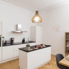 Апартаменты Singerstraße Luxury Apartment Вена в номере