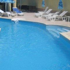 Отель Alex Family Hotel Болгария, Сандански - отзывы, цены и фото номеров - забронировать отель Alex Family Hotel онлайн бассейн фото 3