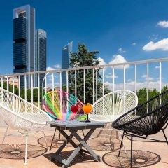 Отель Tryp Madrid Chamartin Испания, Мадрид - 1 отзыв об отеле, цены и фото номеров - забронировать отель Tryp Madrid Chamartin онлайн балкон