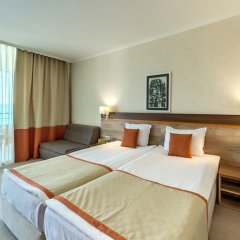 Феста Панорама Отель комната для гостей фото 9