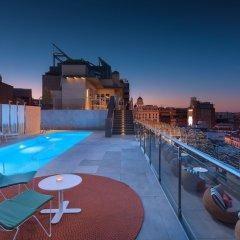 Отель Aloft Madrid Gran Via бассейн