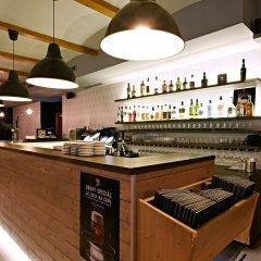 Отель Riverside Spirit Прага гостиничный бар