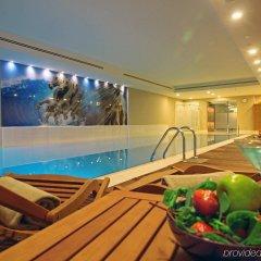 Отель Holiday Inn Istanbul Sisli бассейн