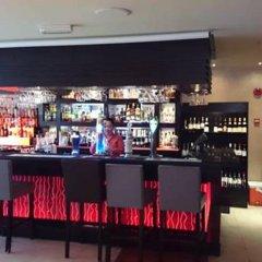Отель Sandras Inn гостиничный бар