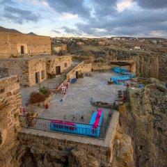 Cappadocia Ihlara Mansions & Caves Турция, Гюзельюрт - отзывы, цены и фото номеров - забронировать отель Cappadocia Ihlara Mansions & Caves онлайн бассейн
