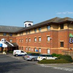 Отель Holiday Inn Express Exeter M5, Jct 29 парковка